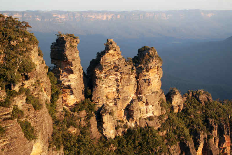 Three Sisters of the Blue Mountains, Australia