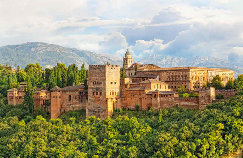 Travel to Granada in Spain