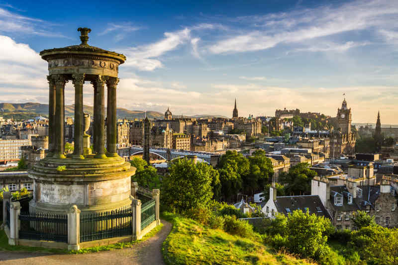 Travel to Edinburgh in Scotland