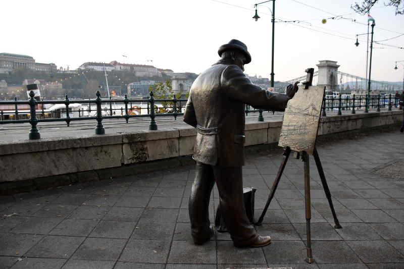 Roskovics Ignac Statue