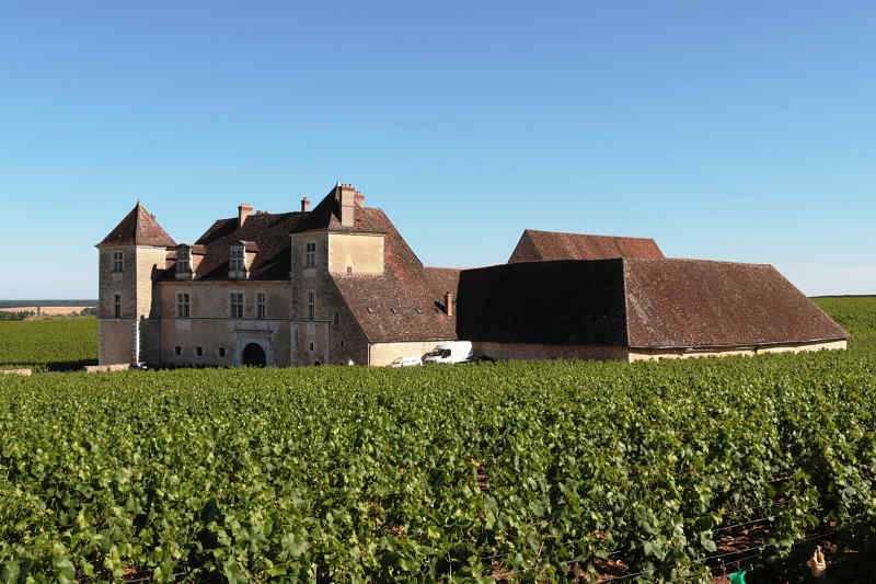 Travel to Vougeot in France