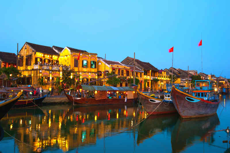 Travel to Hoi An in Vietnam