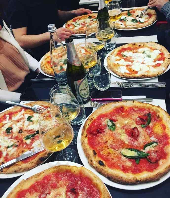 Pizzeria La Notizia in Naples, Italy