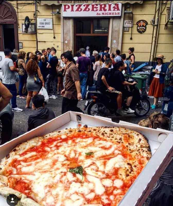 L'Antica Pizzeria Da Michele in Naples, Italy