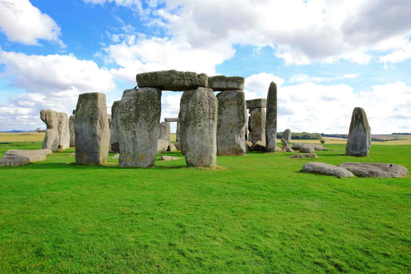 Travel to Stonehenge in England