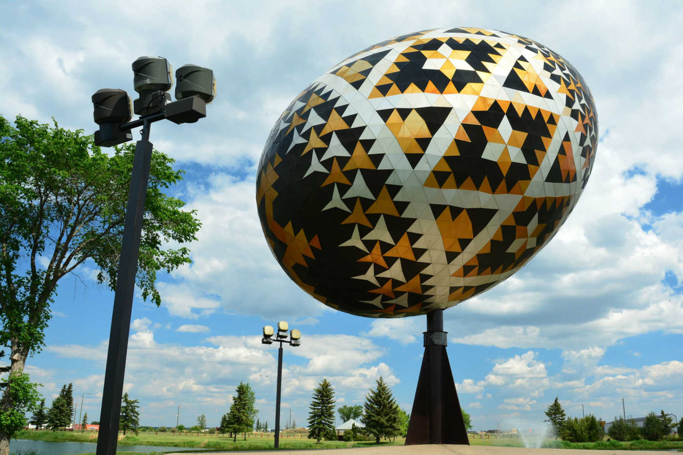 Beautiful easter eggs from all over the world canada easter egg negle Image collections