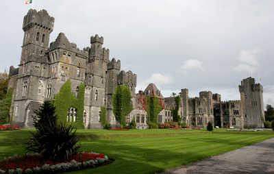 6Nt Ireland Castles Flight & Hotel Pkg w/ Car for Two