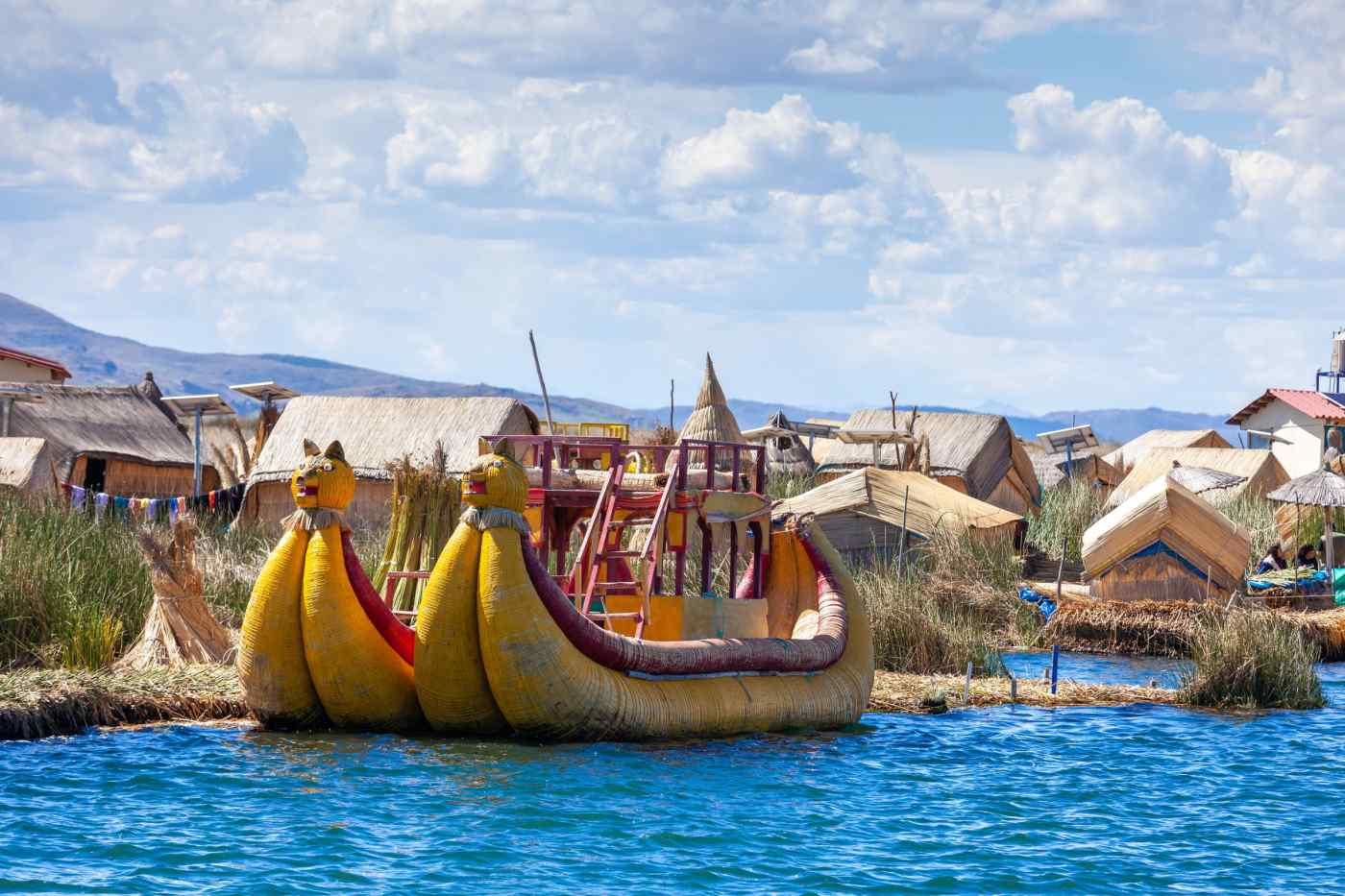 Traditional reed boat, Uros islands