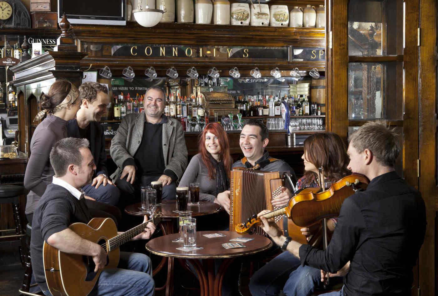 Traditional Irish pub music