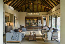 Tinga Lodge • Hi'Nkweni Villa Lounge Area