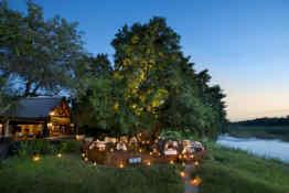 Tinga Lodge • Lounge Deck