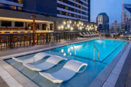 Holston House Nashville - Rooftop Pool