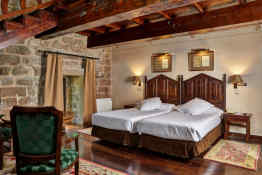 Parador de Olite • Guest Room