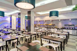Riu Plaza New York Times Square • Dining