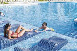 Hotel Riu Tequila • Pool