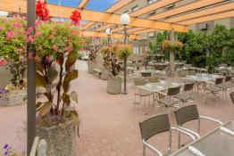 Ramada Hotel & Conference Centre Kelowna • Garden