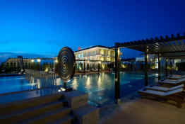 Millennium Resort Patong Phuket - Beachside Pool