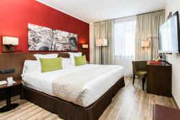 Leonardo Hotel Barcelona Gran Via • Guestroom