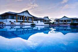 Abhayaran Hotel • Pool