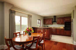 Adare Villas, Dining/kitchen