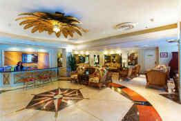 Ramada Plaza Hotel Waikiki • Lobby