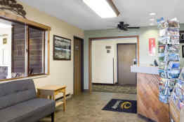 Econo Lodge of Custer - Lobby