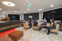 VR Queen Street Hotel & Suites • Bar
