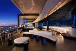 Hyatt Regency Harbour • Zephyr Bar