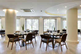 Athens Avenue Hotel • Restaurant