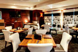 Sandman Hotel Downtown Vancouver City Center • Dining
