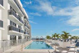 Hilton Cabana Miami Beach, Upper Pool