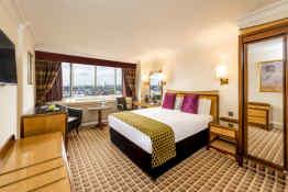 Copthorne Tara Hotel London Kensington • Guest Room