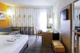 Hotel Novotel Lisboa • Guest Room