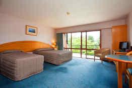 Heritage Gateway Hotel • Guest Room