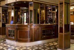 Amadeus Hotel • Reception