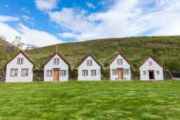Laufas farmhouses