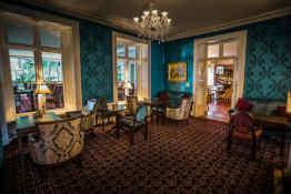 Abbey Hotel • Lounge