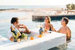 Hilton Los Cabos Beach & Golf Resort, Floating Bar