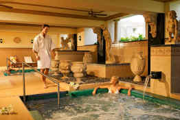 Hotel Riu Palace Pacifico • Hot Tubs