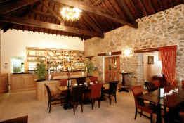 Tre-Ysgawen Hall • Restaurant