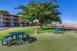 Quality Inn Lake Powell - Picnic Area