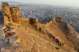 Old Castle wall & Downtown • Jaipur, India
