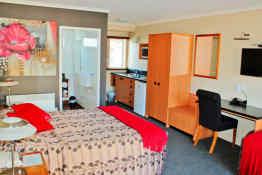 Beachcomber Hotel • Guest Room