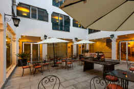 Hotel M'Ar de Ar Muralhas • Patio