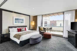 Crowne Plaza Auckland • Guest Room