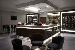 Doubletree by Hilton Lincoln • The Electric Bar