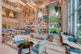 Hilton Cartagena, Society Bar