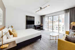 Vibe Hotel Sydney • Guest Room