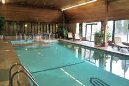 Ramada Hotel & Conference Centre Kelowna • Pool