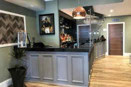 Belmont Hotel • Bar